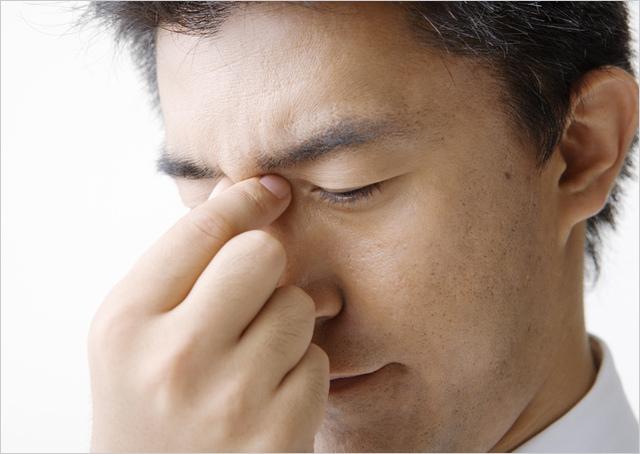 の 痛い が 鼻 付け根 鼻が腫れる原因はなに?可能性のある病気や出来物などを紹介!